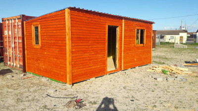 Site storage shed in traditional overlap finish