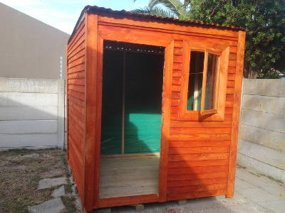 Small garden shed/guard hut